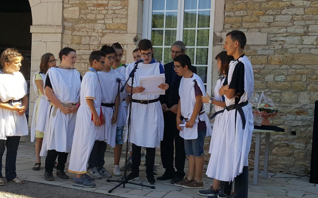 4 jeunes au RDV d'Autun, capitale des langues anciennes
