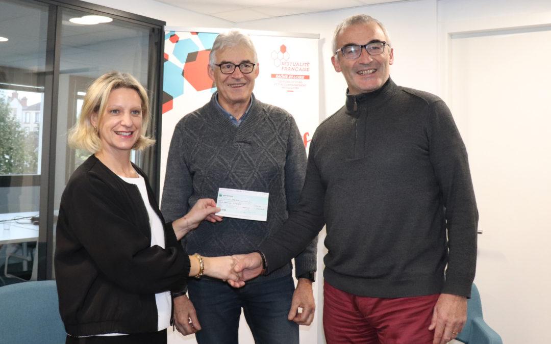 La Mutualité Française Saône-et-Loire remet un chèque de 1 000€ à l'Entente Chalonnaise d'Athlétisme
